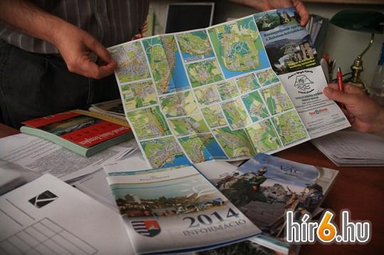 Hajtogatós térképek, megyeatlaszok, útikönyvek mind szerepelnek a HISZI-MAP Kft. portfóliójában, általában mindennel foglalkoznak, amihez térképre van szükség