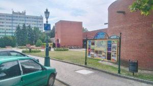 A TÉRKÉP Kft. információs táblája a Gyulai Várfüdrő előtt
