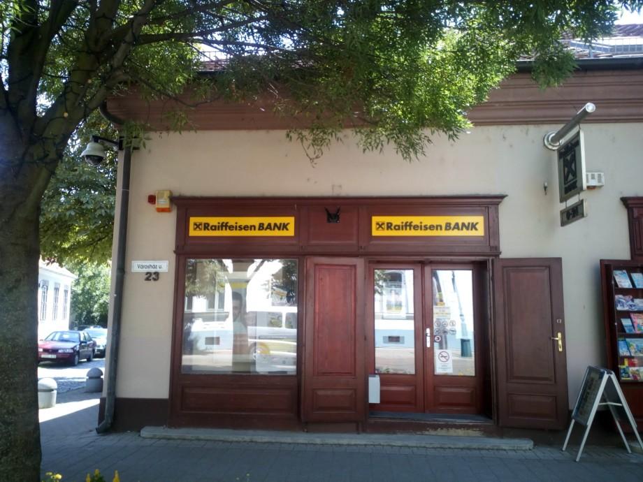 Kiadó üzlethelyiség Gyulán